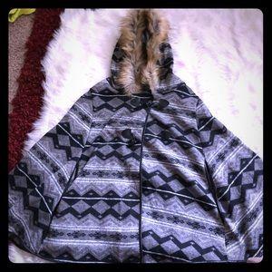Jackets & Blazers - NWOT Warm Poncho 🖤